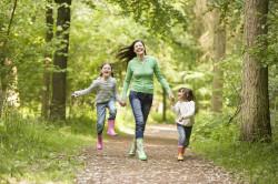 Прогулки - профилактика угрей на лице