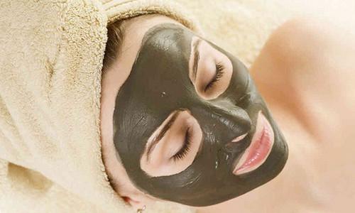 Маска для лица из черной косметической глины