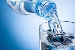 Минеральная вода - компонент маски для повышения упругости кожи