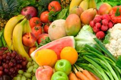 Свежие фрукты и овощи для борьбы с обезвоживанием