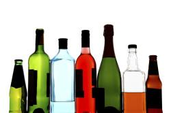 Алкоголь - причина обезвоживания кожи лица