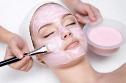 Равномерное нанесение маски для похудения лица