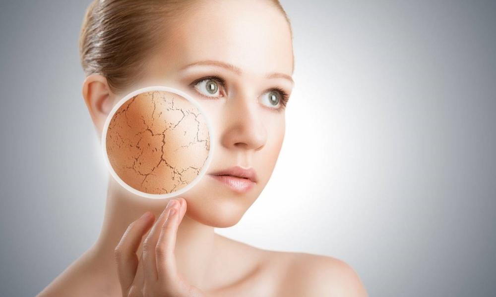 Увлажняющая маска для лица в домашних условиях для разных типов кожи: рецепты (видео)