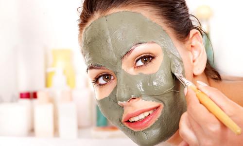 Как правильно наносить маску на лицо